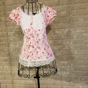 Super cute Country style blouse